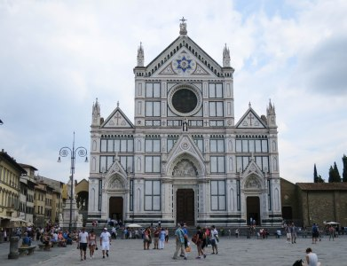Liveflorencetours. Piazza Santa Croce